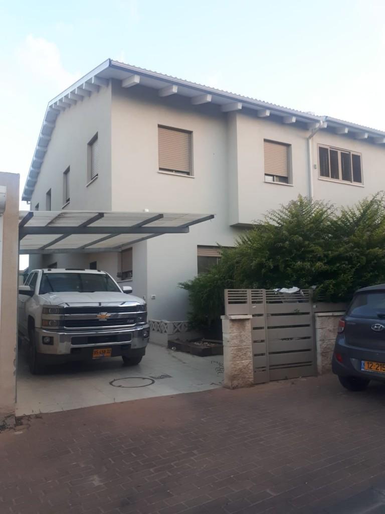 להשכרה באבן יהודה במושבה הירוקה - דו משפחתי 5 חדרים