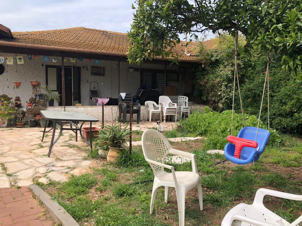 למכירה באבן יהודה בית במרכז המושבה המבוקשת על מגרש ענק - מעל דונם!⭐